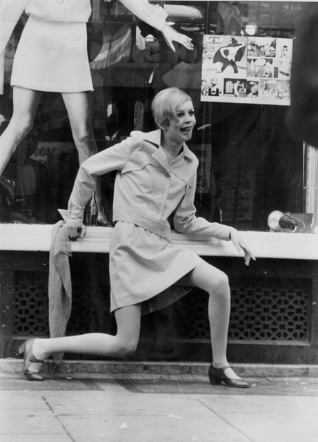 Twiggy's first press shoot 1965 - 01